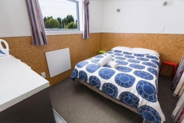 Budget 2 person accommodation Christchurch New Zealand