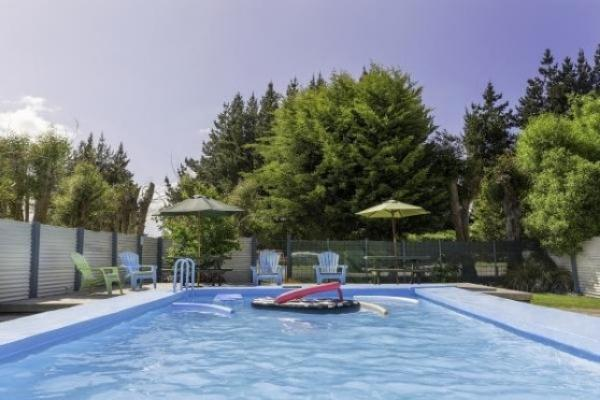 Outdoor Swimming Pool Playground Cheap Accommodation Christchurch