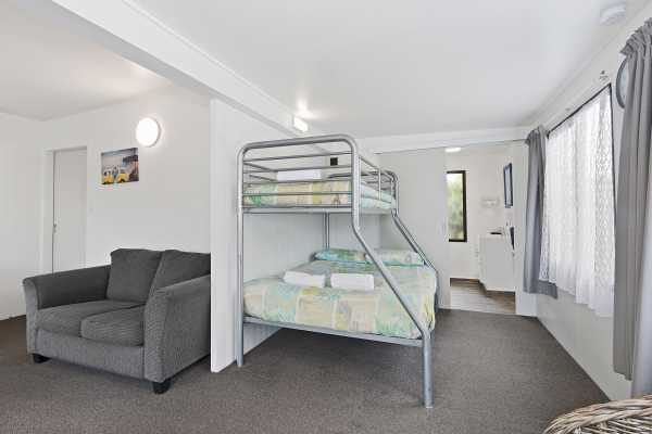 Cheap Accommodation Holiday Park Christchurch